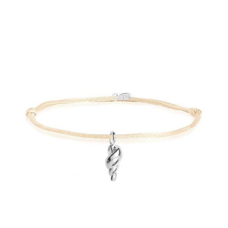Tiny Treasures Conch Shell Braclet
