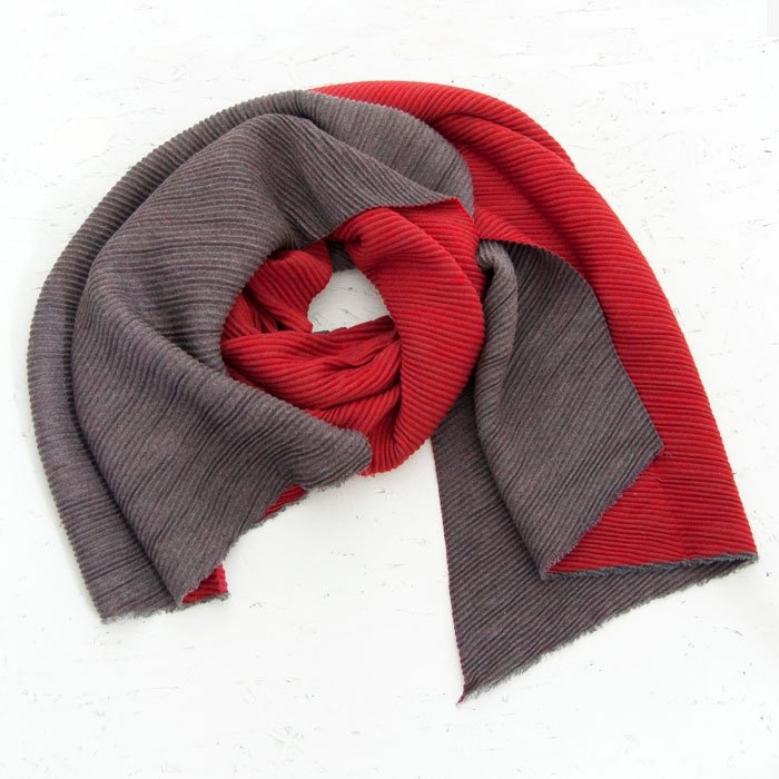 Plain Reversible Crinkle Scarf | Red & Grey