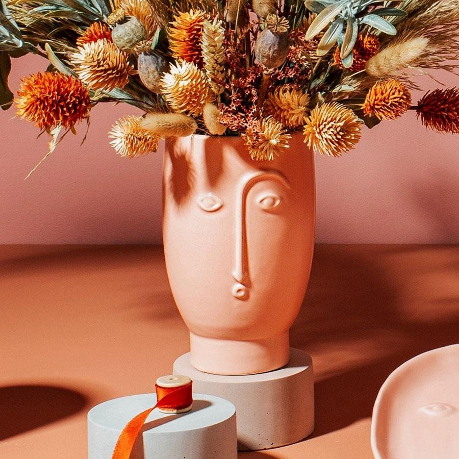Face Vase in Matt Pink