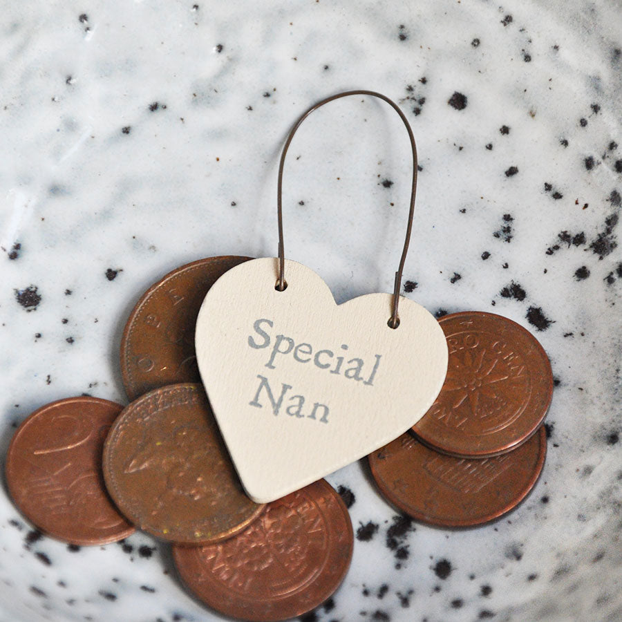 Special Nan Mini Heart Sign Tag