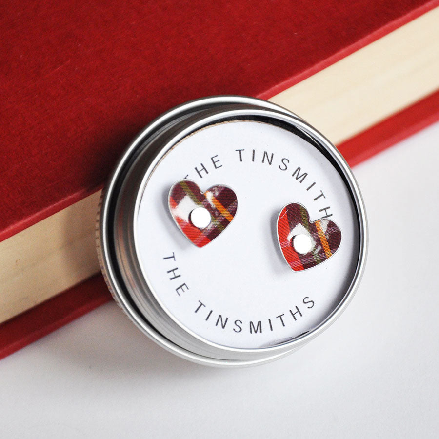 Red Tartan Tiny Round Heart Studs Earrings in Tin