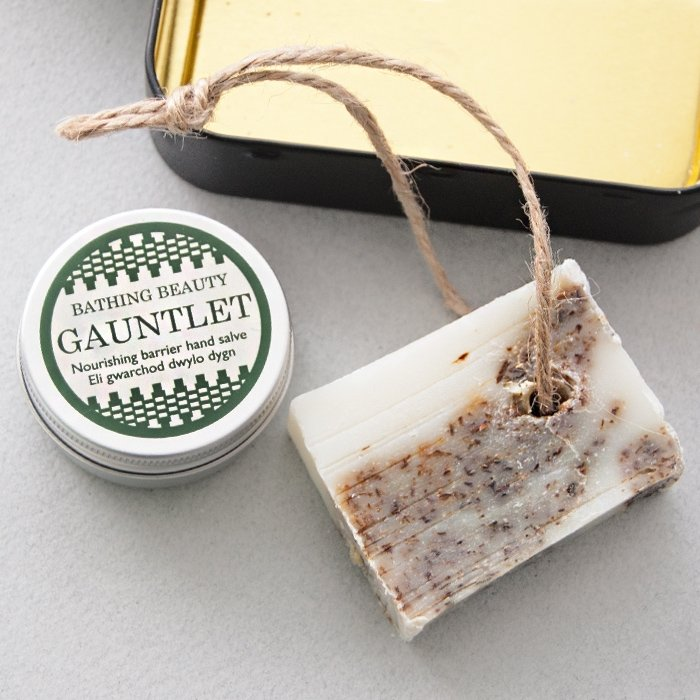 'Green and Serene' Hand Salve & Soap Gift Tin