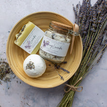 Load image into Gallery viewer, Bramblewood Soap Co Lavender Gift Box - Life Before Plastik