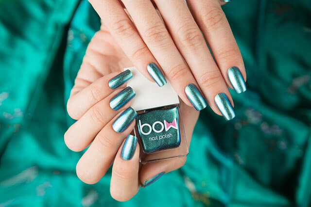 Lollipolish_Bow_Nail_Polish_Nothern_Lights
