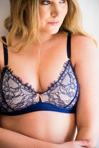 Plus-size Structured Eyelash Lace Bralette