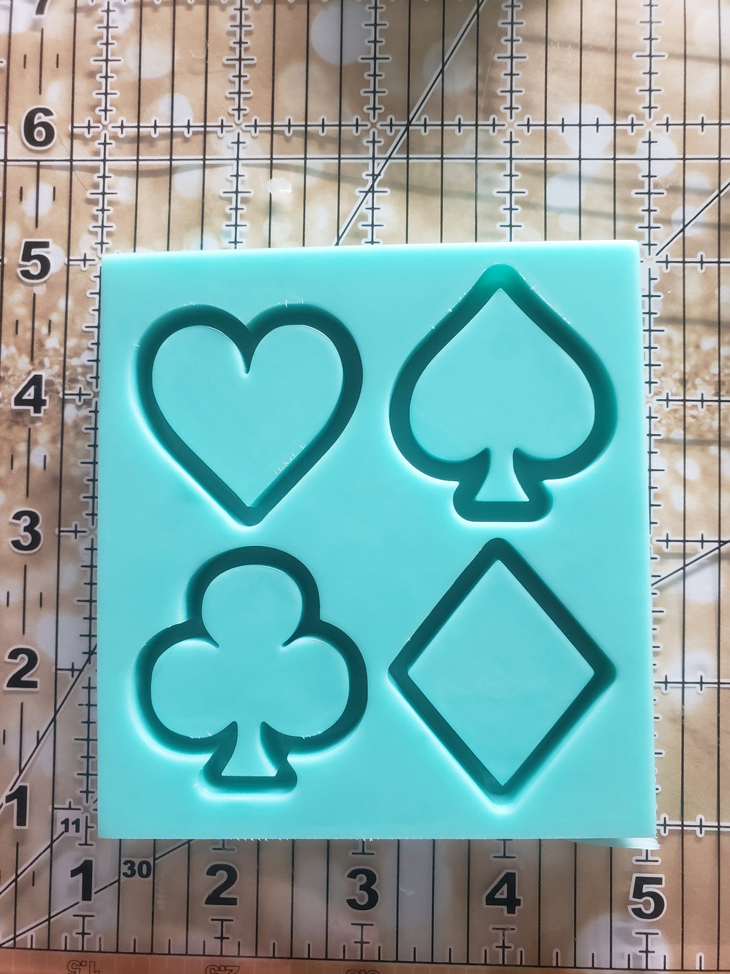 Playing Card Suit Grippy Shaker Mold