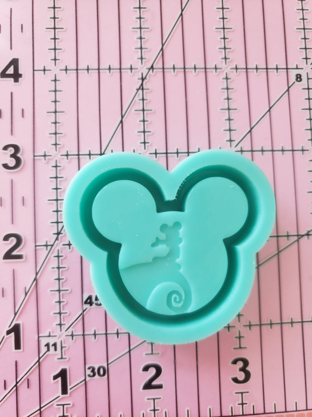 NBC Mickey Grippy Shaker Mold