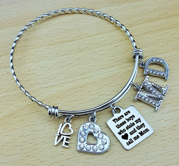 Mom Bracelet Mom Jewelry Gift for Mother Mom Gifts Mom Bracelet with Kids Names Bracelet for Mom Mothers Day Gift Mother Gift Charm Bracelet