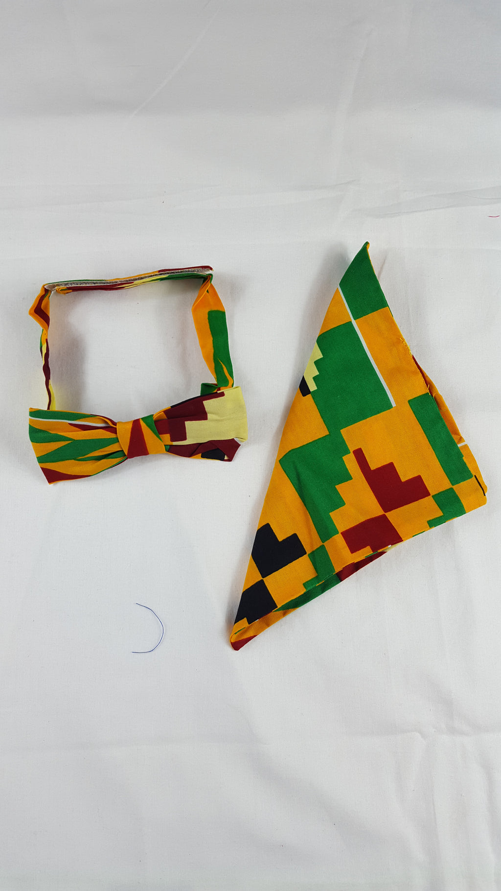 Sami kente bow tie with a pouch - yalinat
