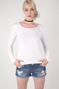 Long Sleeve Scoop Neck Top in White MODEL FRONT