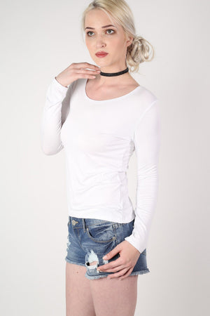 Long Sleeve Scoop Neck Top in White MODEL SIDE 2