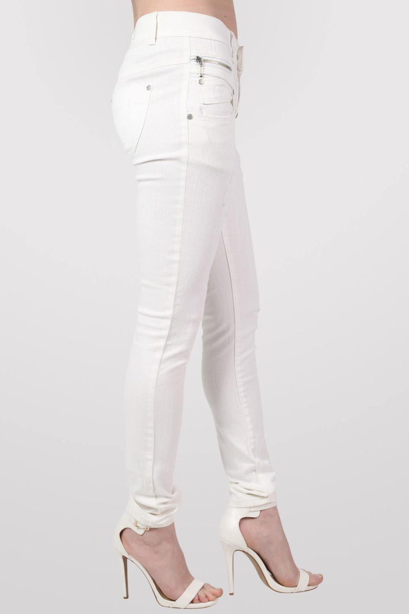 4 Button Skinny Jeans in White MODEL SIDE