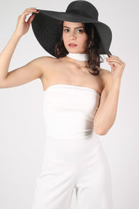Wide Brim Straw Floppy Hat in Black MODEL FRONT