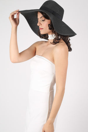 Wide Brim Straw Floppy Hat in Black MODEL SIDE