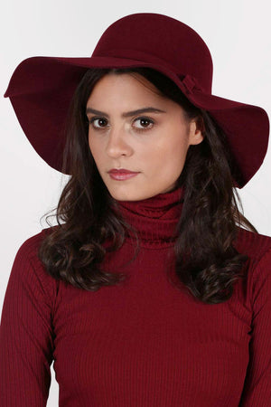Floppy Self Fabric Band Hat in Wine Red MODEL FRONT