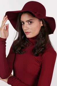 Floppy Self Fabric Band Hat in Wine Red MODEL SIDE