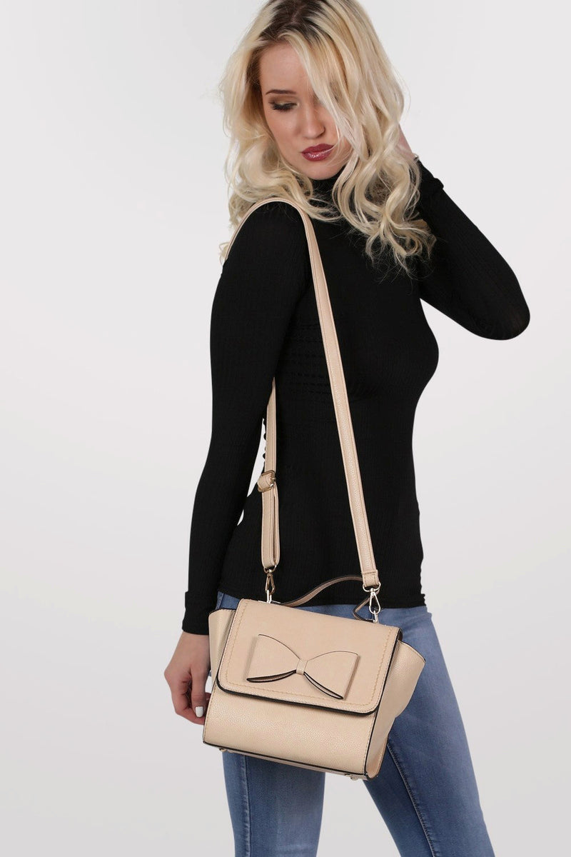Bow Detail Winged Tote Bag in Beige MODEL SIDE