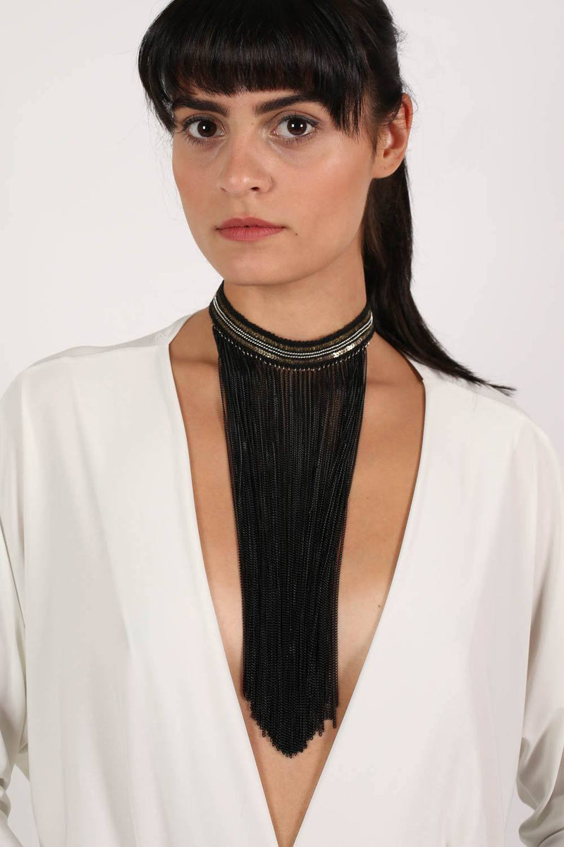 Long Tassel Chain Choker in Black MODEL FRONT