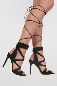 Lace Up Cross Strap High Heel Sandals in Black MODEL SIDE