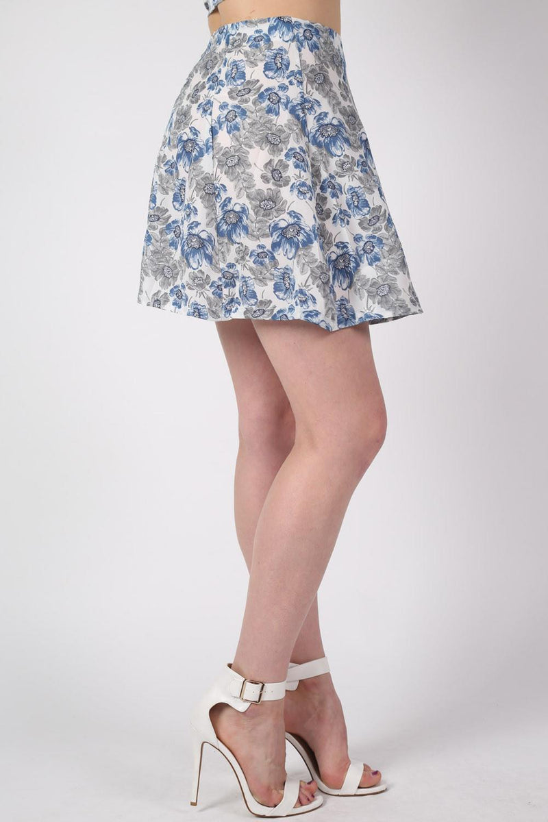 Floral Print A-Line Mini Skirt in Blue MODEL SIDE