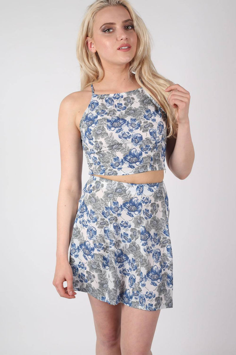 Floral Print Crop Top in Blue MODEL FRONT