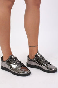 Plain Mirror Shine Trainer Pumps in Pewter 1