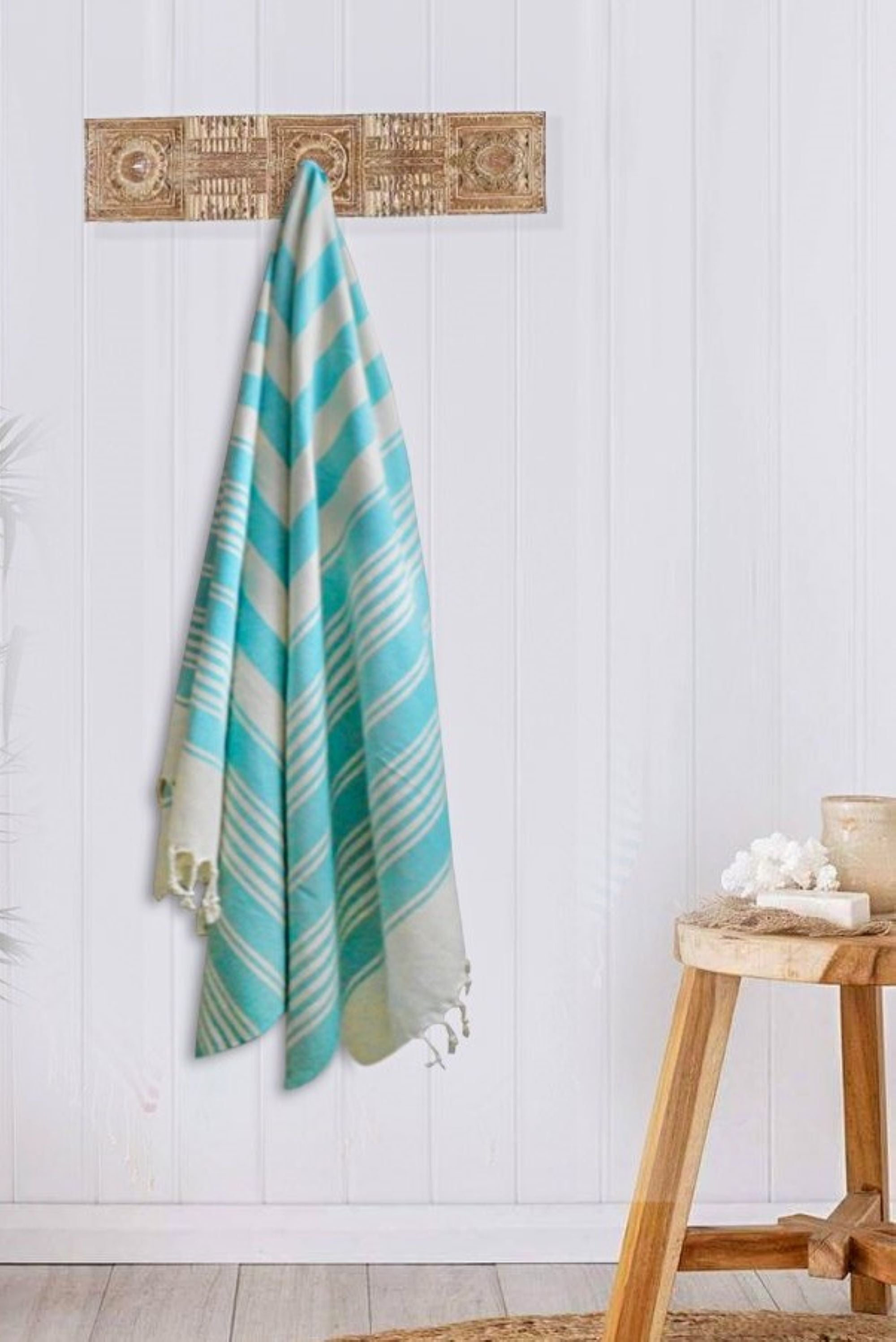 Turkish bath towel Green/White , lightweight, loomed with pure cotton in yarn-dyed stripes and edged with hand-knotted fringes at both ends.
