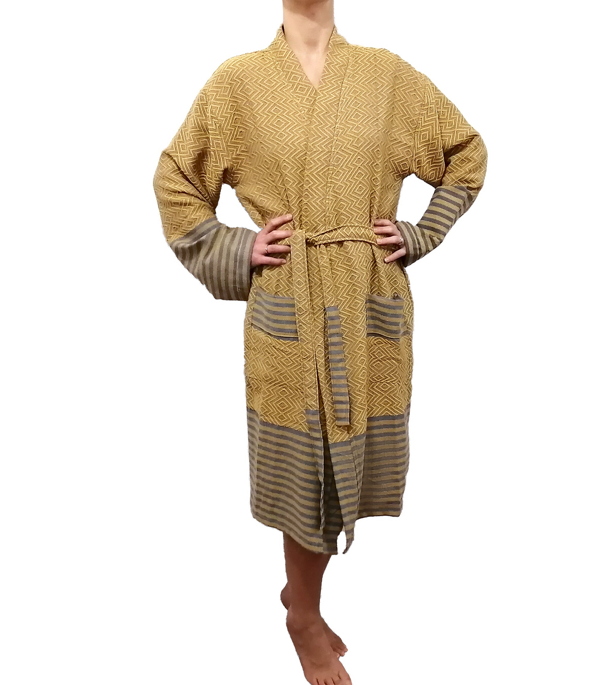 Turkish Towel robe sultan gold made with the finest quality Turkish cotton, super soft, lightweight Turkish towel robes, Perfect for drying off and staying warm, superior absorbency.it is with arrow pattern.