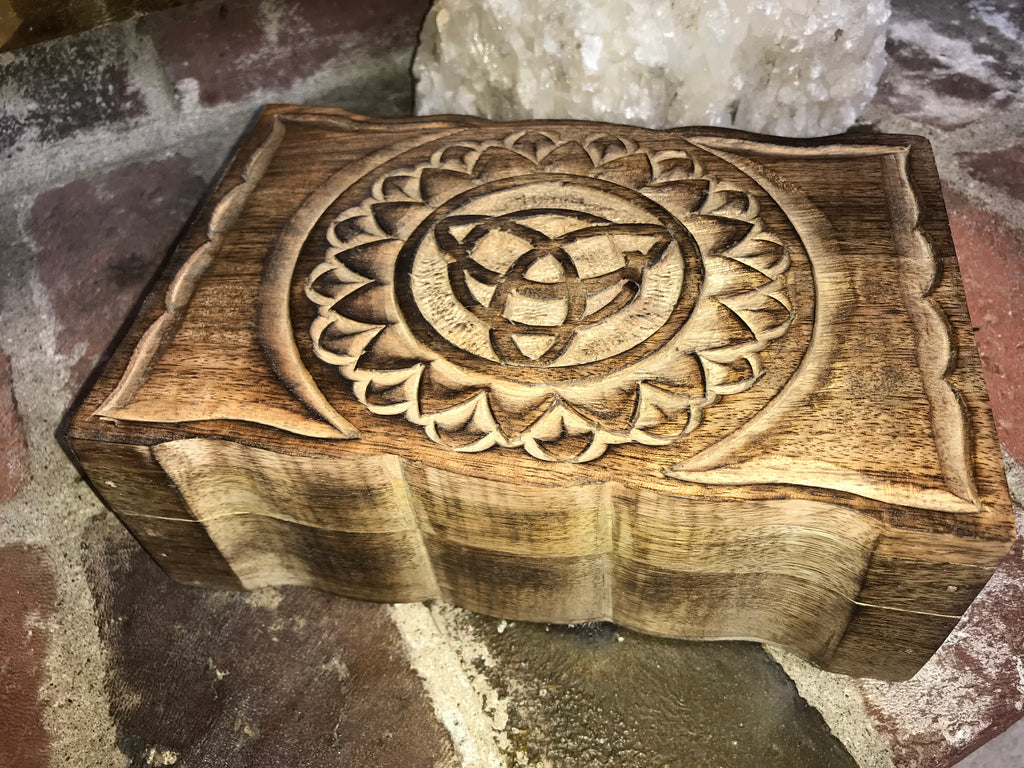 Wooden Natural Triquetra Trinket/Storage Box