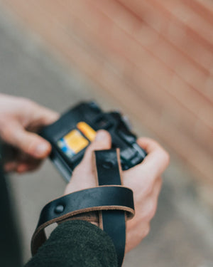 The Wrist Strap - Black - The Populess Company