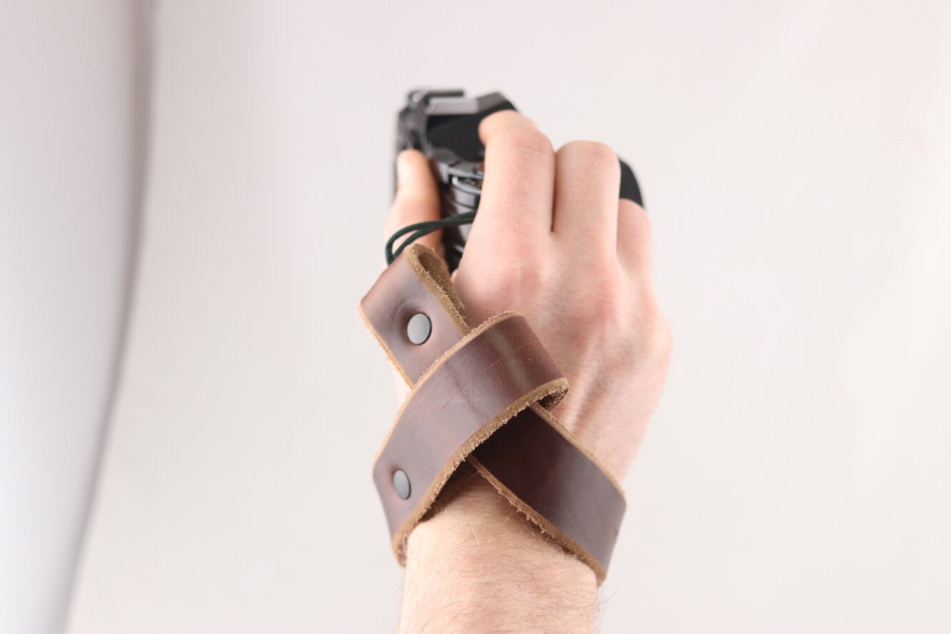 The Wrist Strap - Brown - The Populess Company