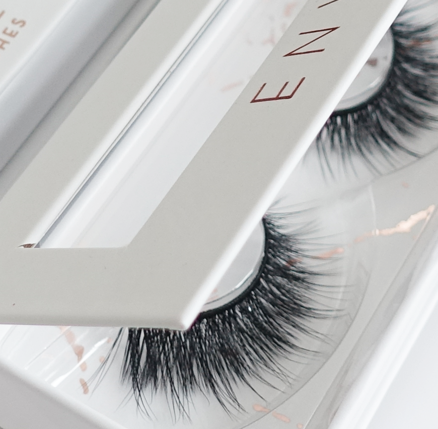 Envie 3d faux mink false lashes glamour box