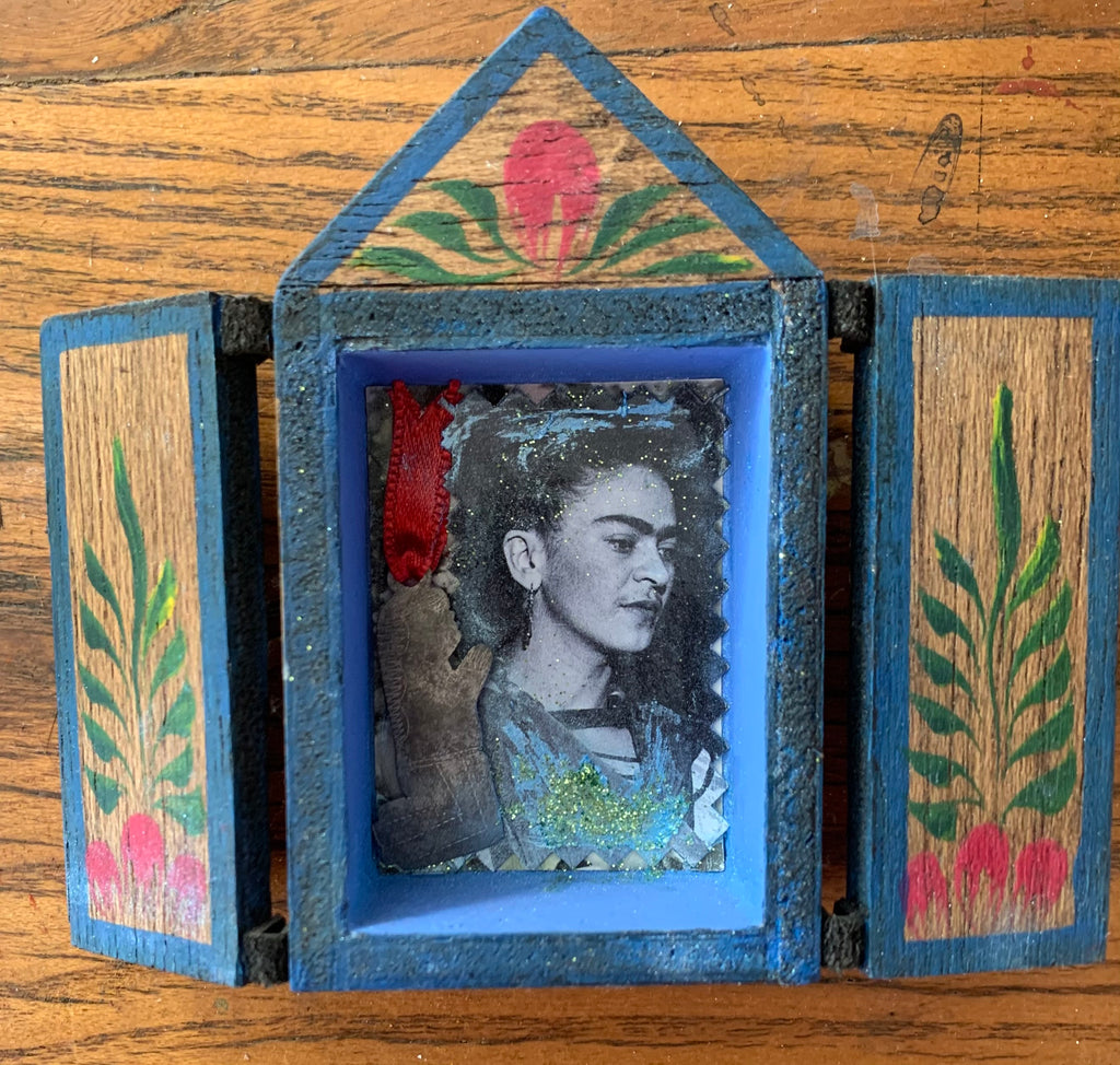 Frida with large miracle charm and sparkle