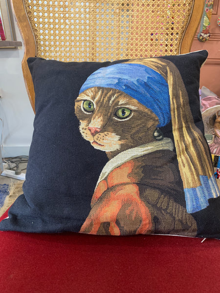 CAT WITH A PEARL EARRING STOCK FINISHED