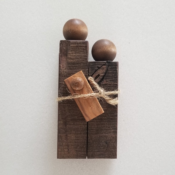 Unique Nativity (Walnut Knot 2): Mary, Joseph & Jesus