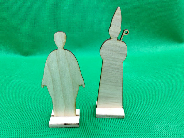 Bishop & Priest Figure Set