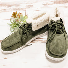Load image into Gallery viewer, Odette Shearling Sneaker