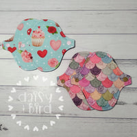 Liner Cloth Pad Sewing Pattern - 5 - 8 Inch - 2.5 inch snapped width - Daisy & Bird