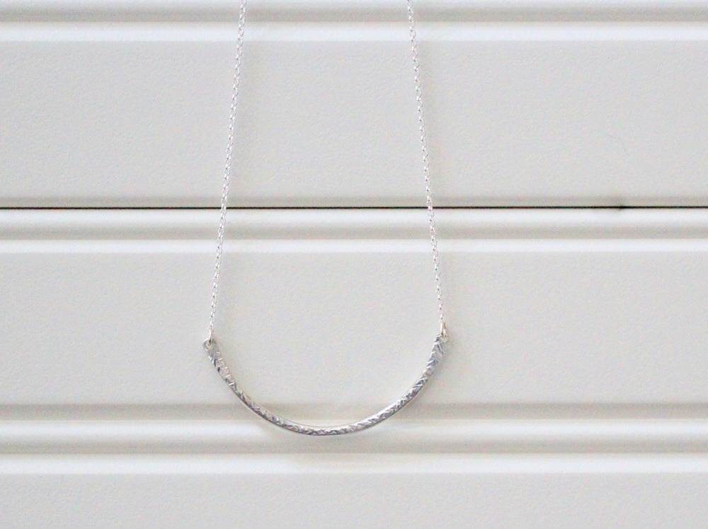 Contour Arc Necklace
