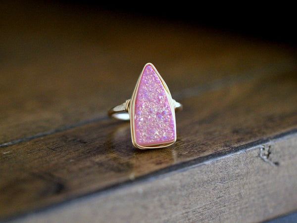 Insignia Ring - Sweet Pea