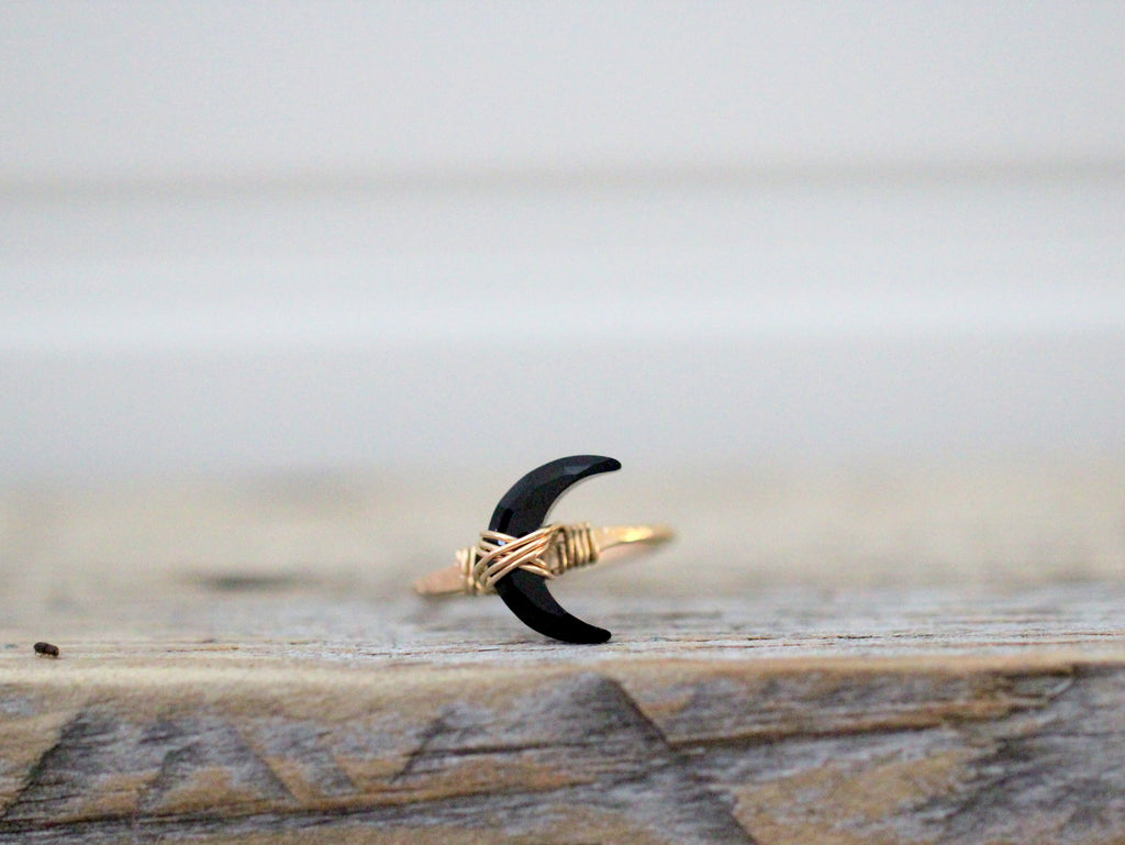 Moonbeam Ring - Black Agate