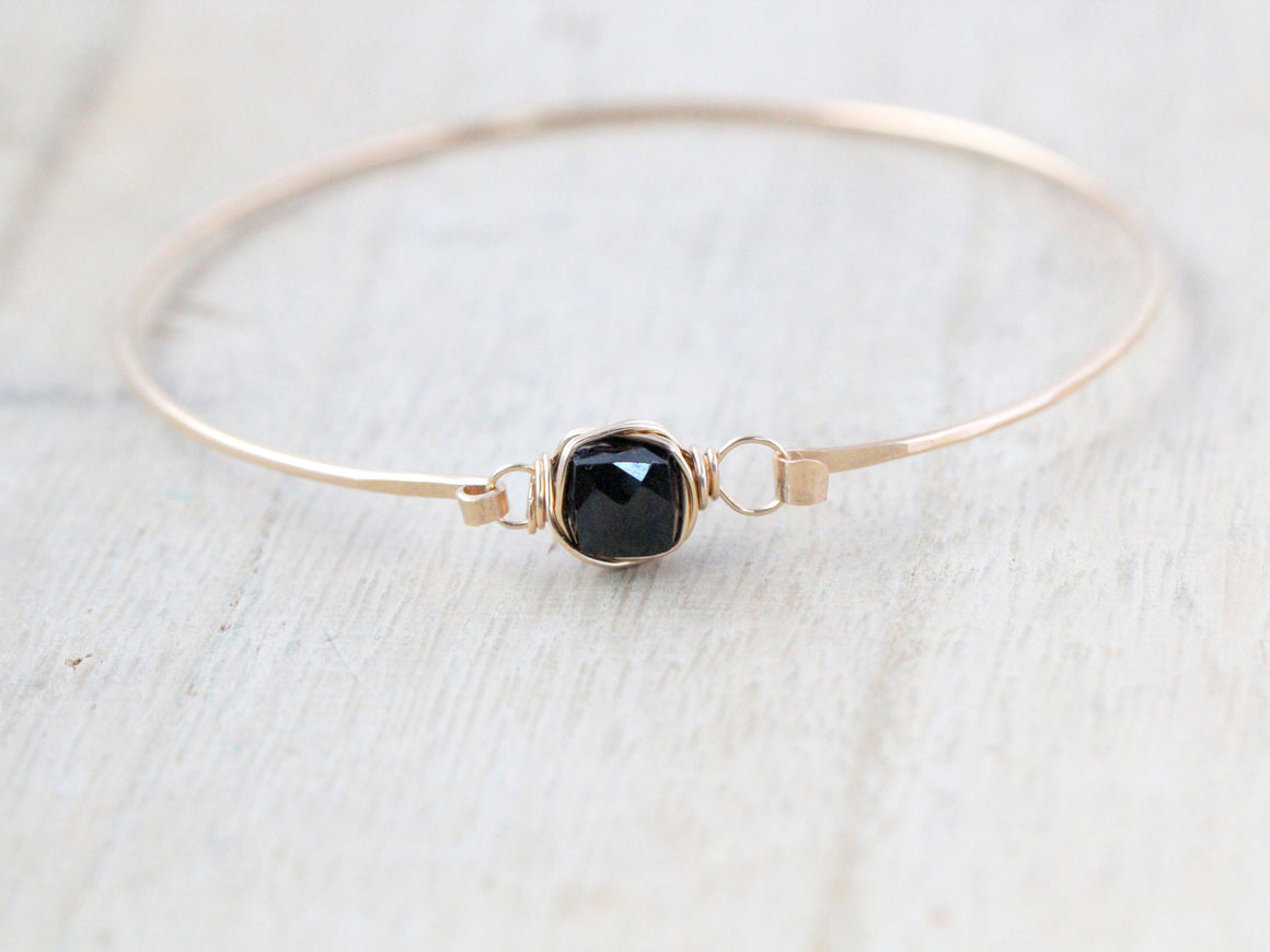Onyx Bezel Wrapped Bracelet - Black