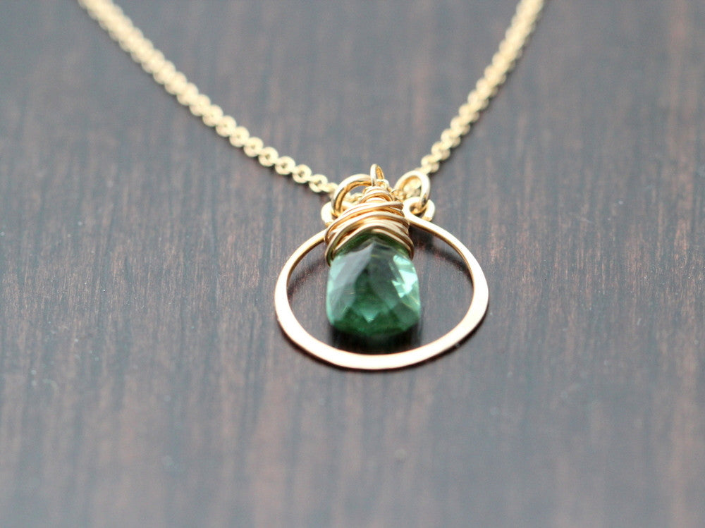Green Quartz Halo Necklace - Lucia
