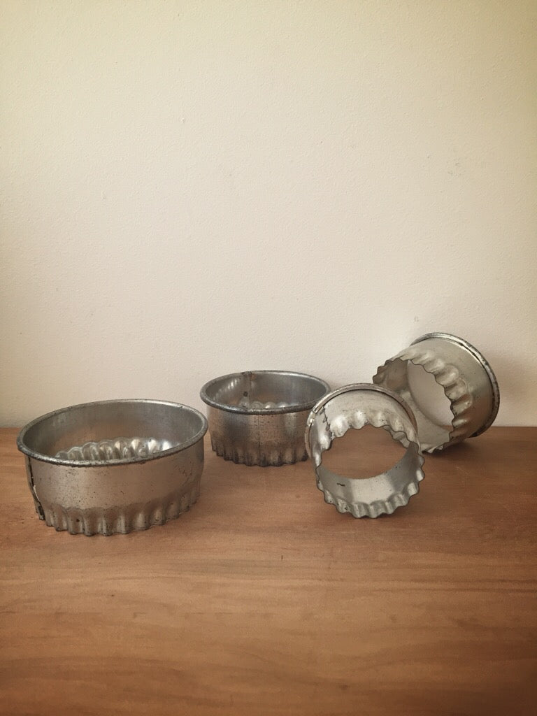 vintage cookie cutters - set of 4