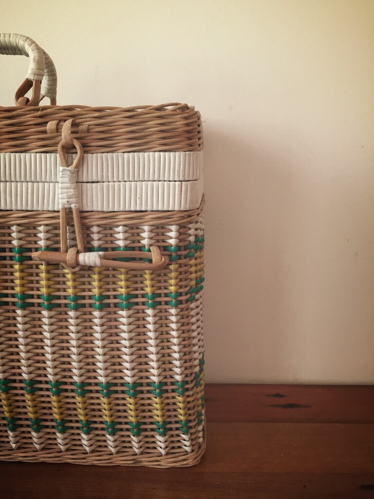 wicker picnic basket - with bottle holder