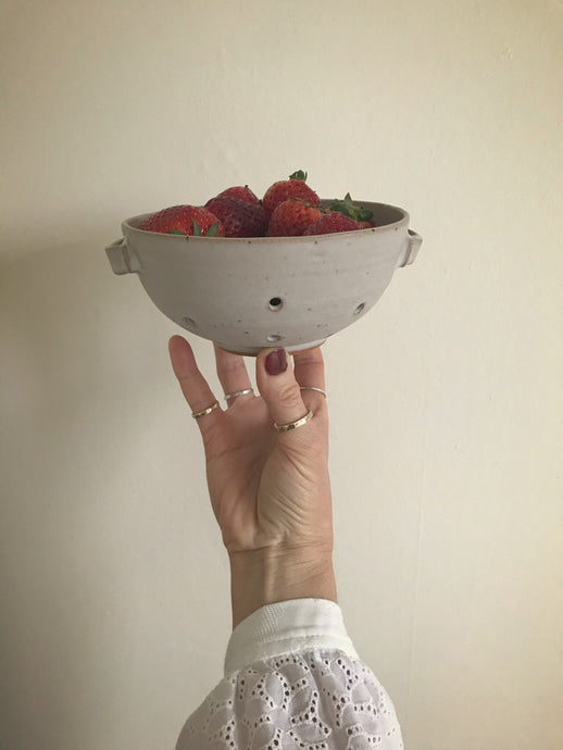 berry bowl - 1 in stock ...preorder for March despatch