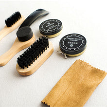 Load image into Gallery viewer, 8 Piece Portable Shoe Shine Care Kit