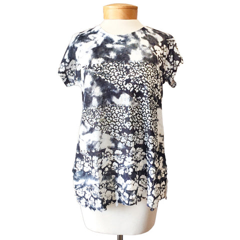 Abstract Print Black White Petal Texture Appliqué Tee Shirt