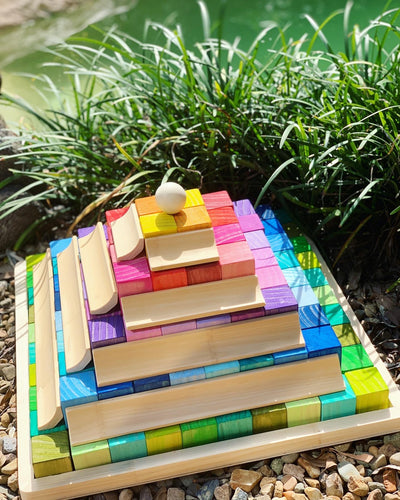 BLOCK AND ROLL - Pyramid Blocks with Marble Run
