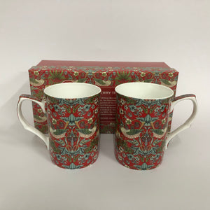 Strawberry thief Set of 2